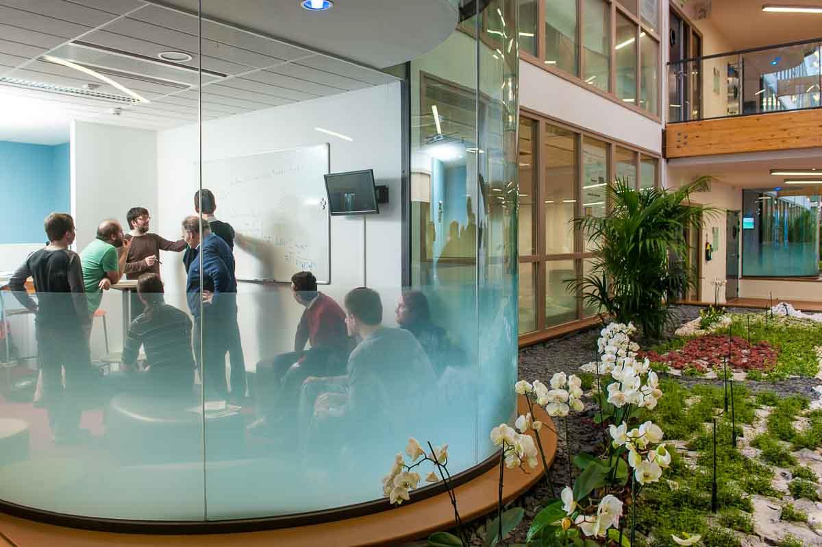 Centre de recherche de l'INRIA à Bordeaux. Commande de l'INRIA