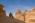 Arabie Saoudite. Madâin Sâlih. Mission archéologique franco-saoudienne dans l'antique cité nabatéenne de Hégra. Francois Villeneuve co-directeur de la mission, dans la montagne sacrée des Nabatéens, le Jabal Ithlib.