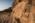 Arabie Saoudite. Madâin Sâlih. Mission archéologique franco-saoudienne dans l'antique cité nabatéenne de Hégra. Lieu de culte situé au pied de la montagne sacrée des Nabatéens, le Jabal Ithlib. Au premier plan, un bétyle représentant un dieu Nabatéen