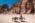 Bédouins devant la nécropole du Théatre
