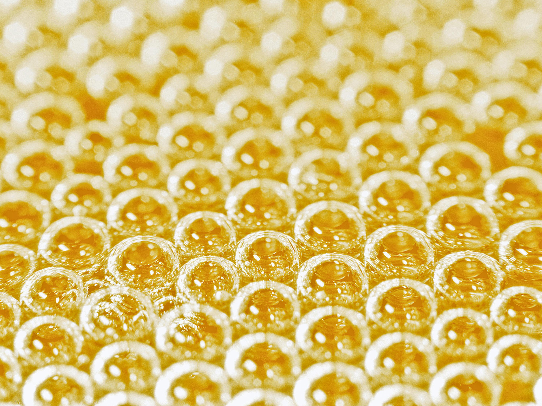 Bulles à la surface d'une coupe de Champagne. ©Gérard Liger Belair