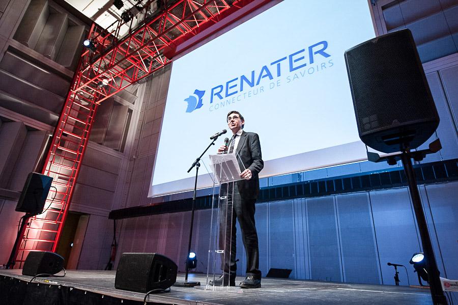 Reportage photographique pour RENATER qui célébrait ses 20 ans en recevant ses partenaires pour un diner dans l'auditorium de l'IRCAM . RENATER est l'organisme qui organise et gère le réseau d'échange des données numériques de l'enseignement et de la recherche en France.
