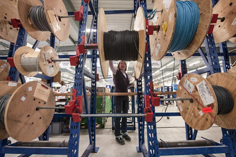 Reportage photographique de 2 jours sur les activités industrielles de Resoelec dans ses filiales SATI, Promocab, et ACS situées en Bretagne